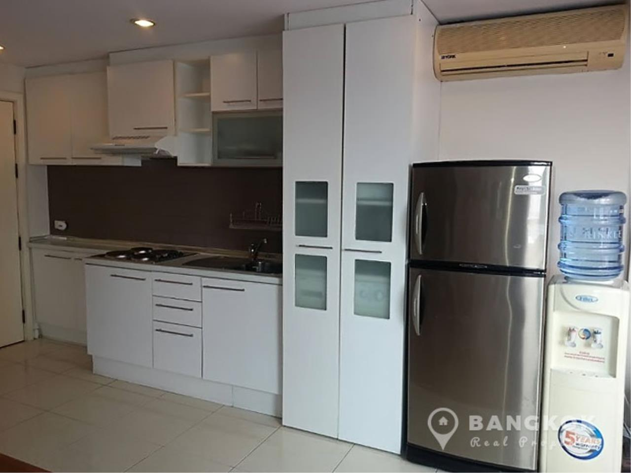 Bangkok Real Property Agency's Grand Parkview Asoke | Spacious 2 Bed 1 Bath Penthouse with Terrace 3