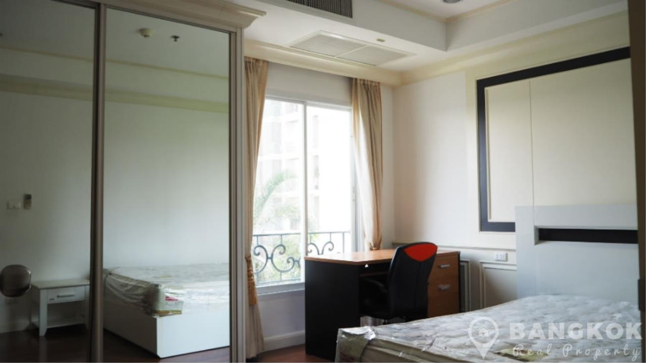 Bangkok Real Property Agency's La Vie En Rose Place | Spacious Modern 3 Bed near BTS 18