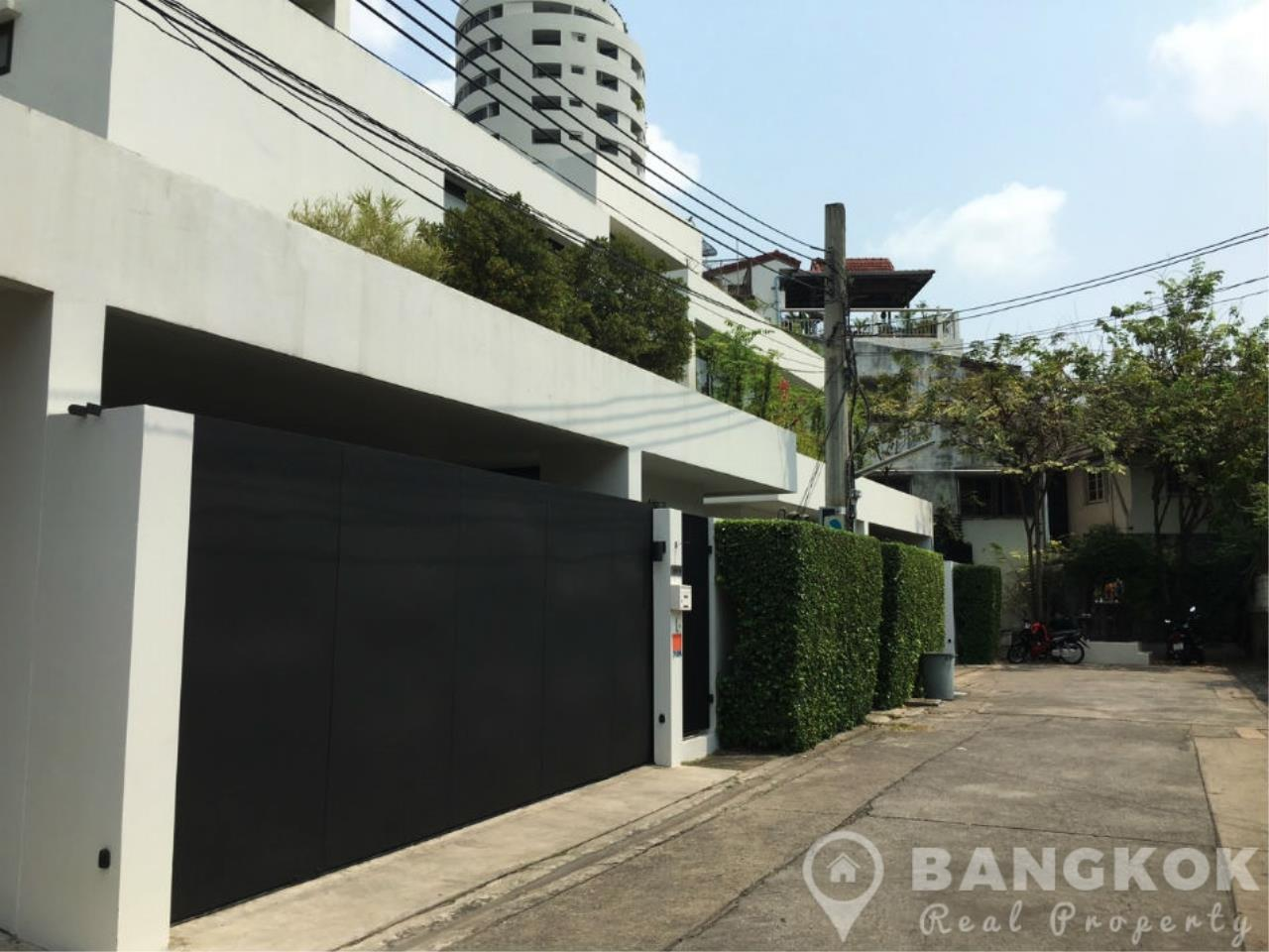 Bangkok Real Property Agency's Modern Detached 4 Bed Thonglor House with Private Pool 2