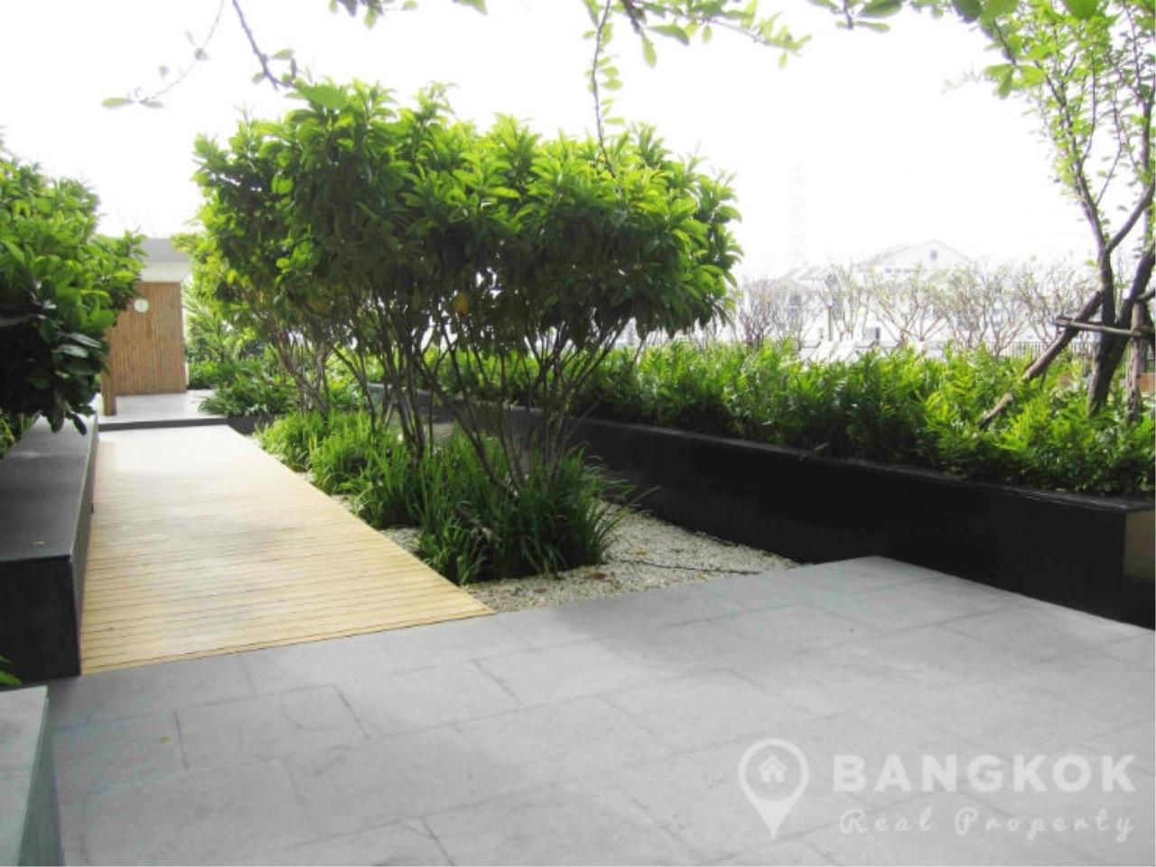 Bangkok Real Property Agency's Issara Ladprao | Stylish High Floor Studio with Stunning Views 11