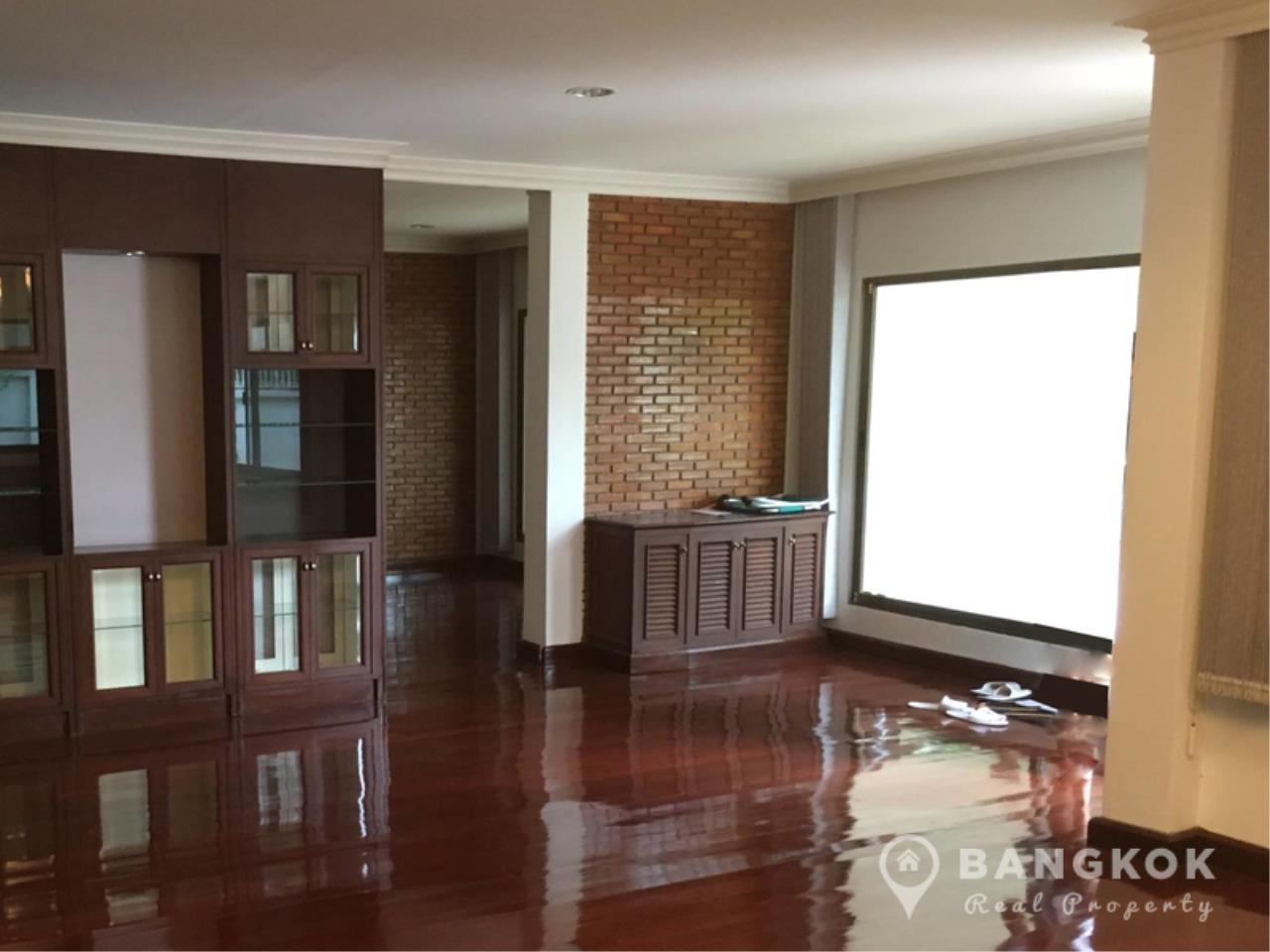 Bangkok Real Property Agency's Detached Spacious 3 Bed 3 Bath house with Garden in Thonglor  2