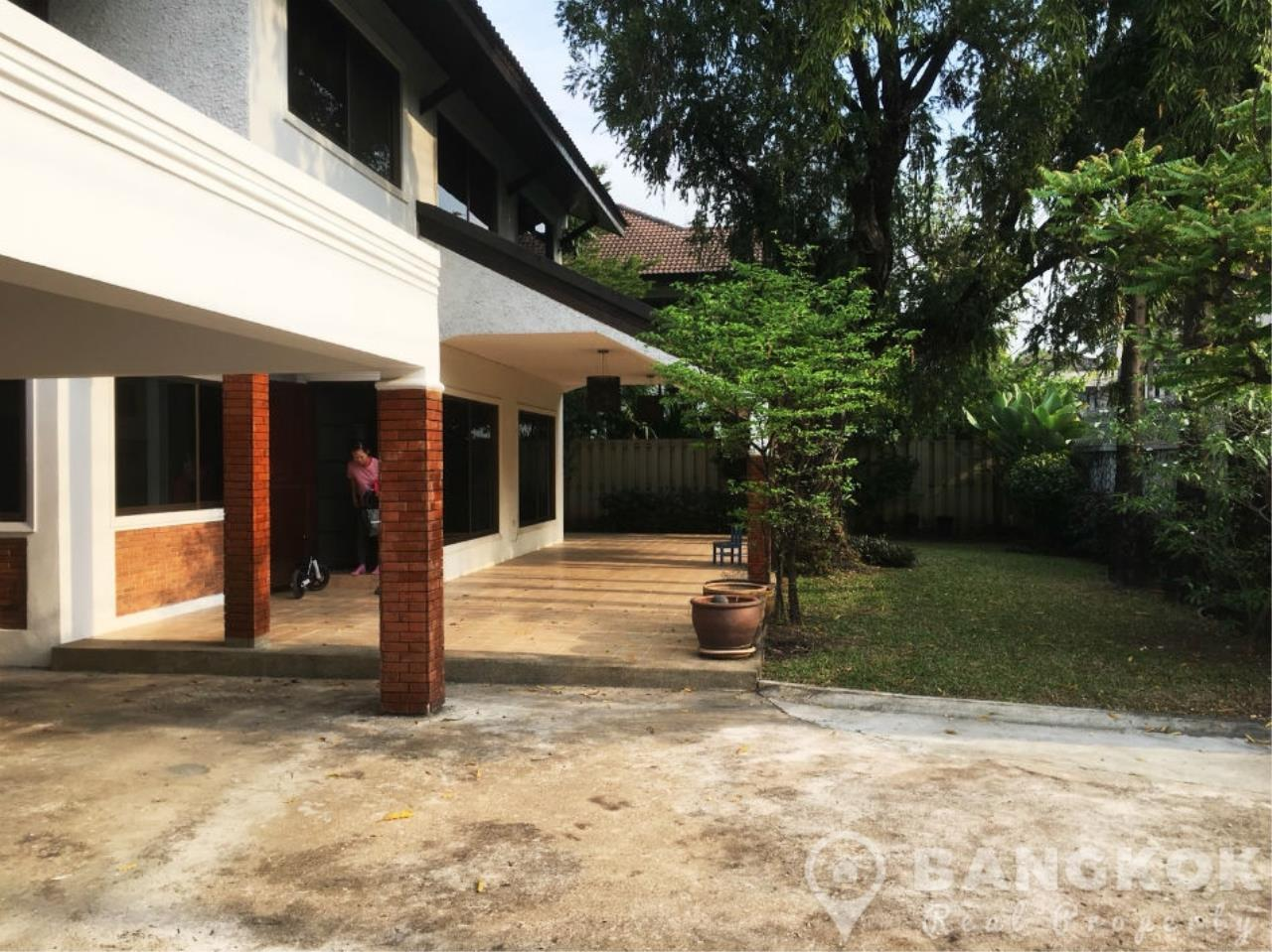 Bangkok Real Property Agency's Spacious 3 Bed 3 Bath Detached Thonglor House  8