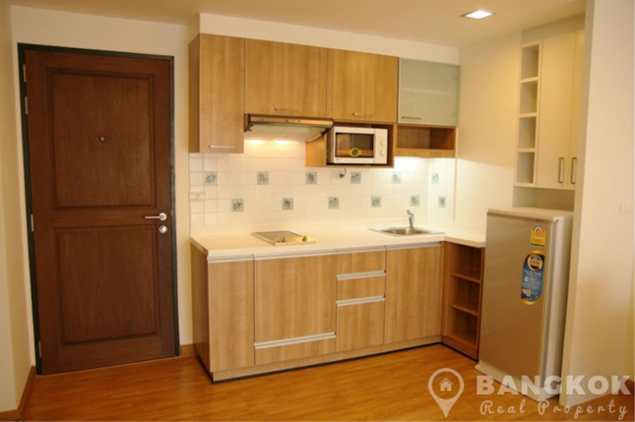Bangkok Real Property Agency's The Alcove 49 | Spacious High Floor 1 Bed near BTS 8