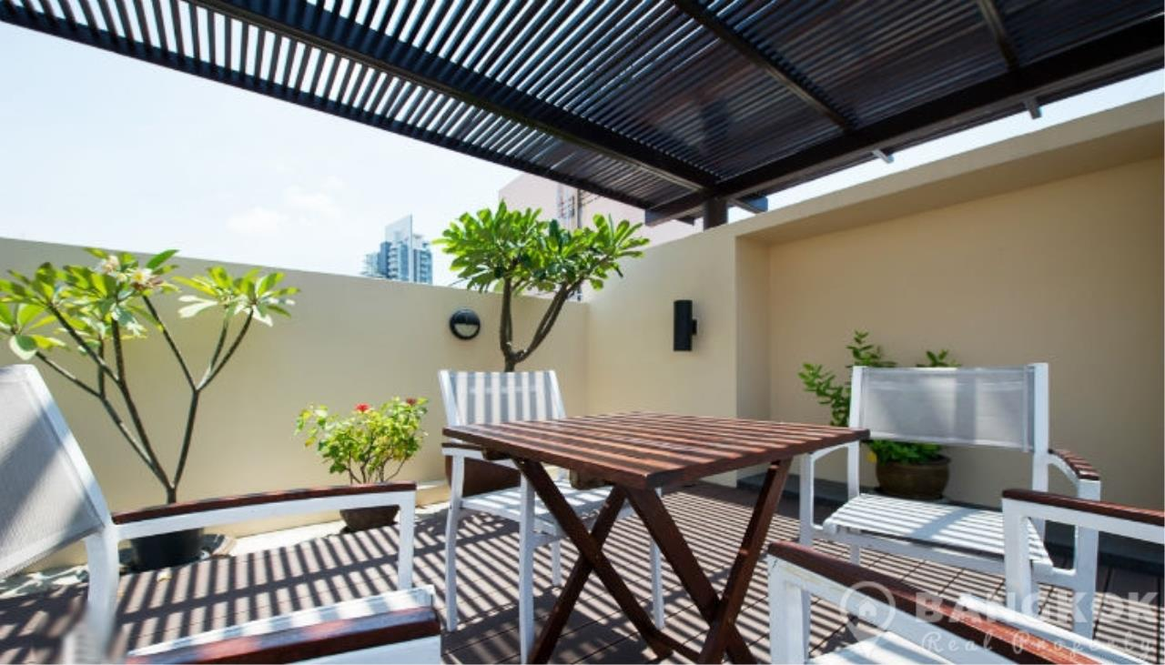 Bangkok Real Property Agency's The Alcove 49 | Spacious High Floor 1 Bed near BTS 1