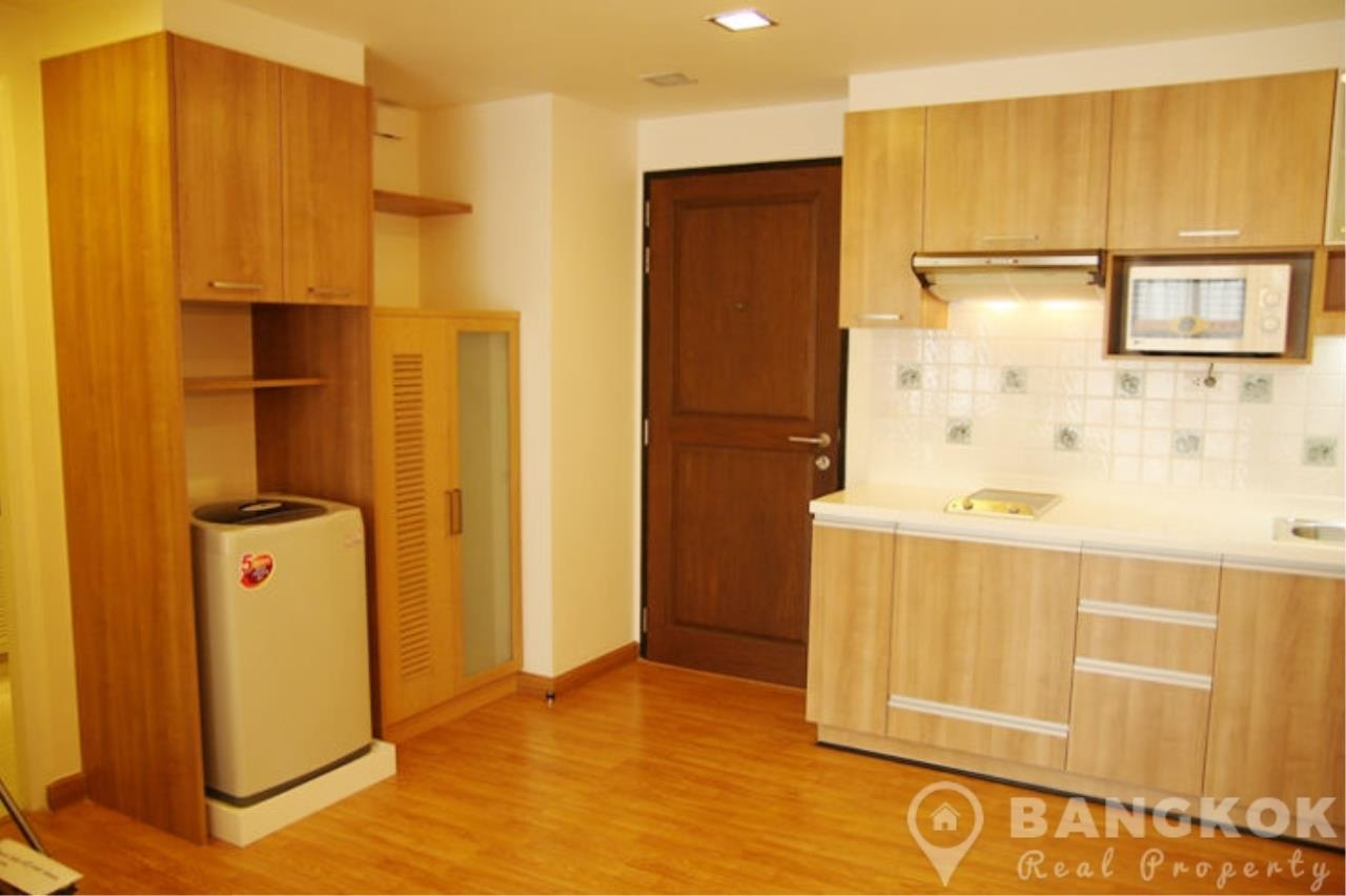 Bangkok Real Property Agency's The Alcove 49 | Spacious High Floor 1 Bed near BTS 9