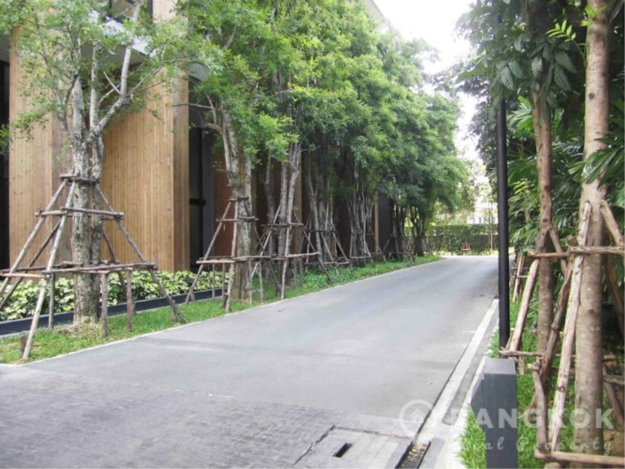 Bangkok Real Property Agency's Issara Ladprao | Modern High Floor Studio near MRT 14