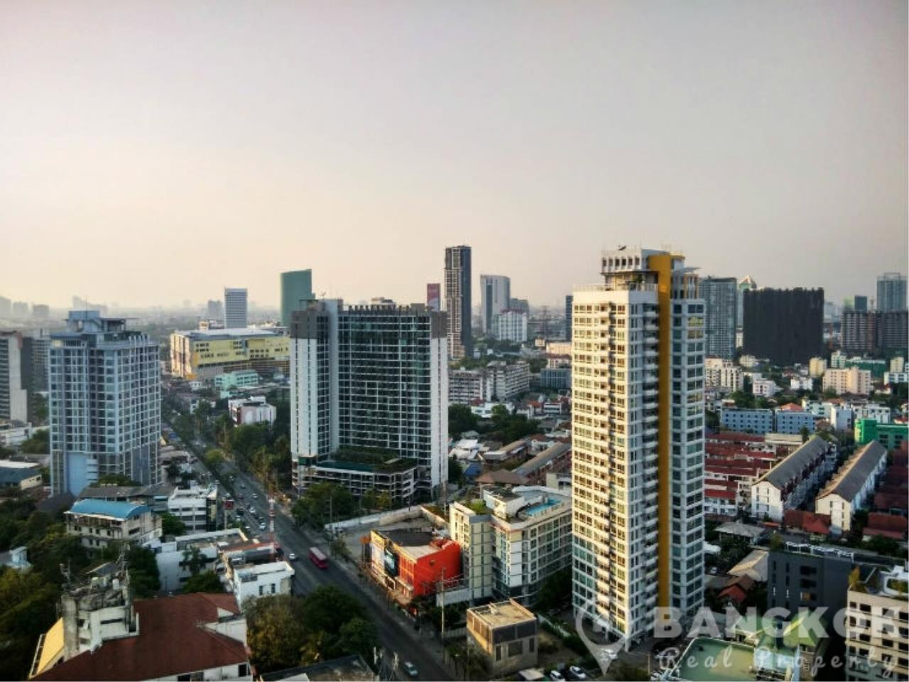 Bangkok Real Property Agency's Issara Ladprao | Modern High Floor Studio near MRT 4