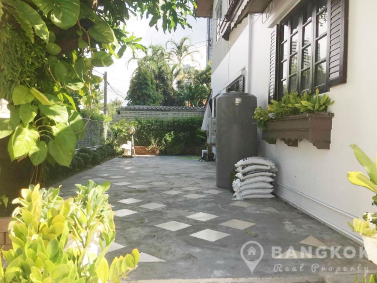 Bangkok Real Property Agency's Spacious Detached Thonglor House with 3 Beds 3 Baths 12