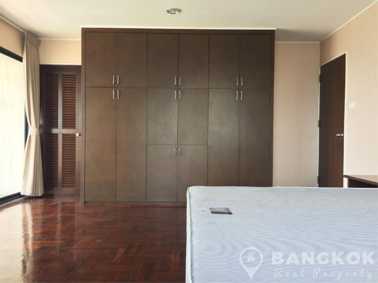 Bangkok Real Property Agency's Casa Viva | Very Spacious 3 Bed 3 Bath Condo in Ekkamai 10