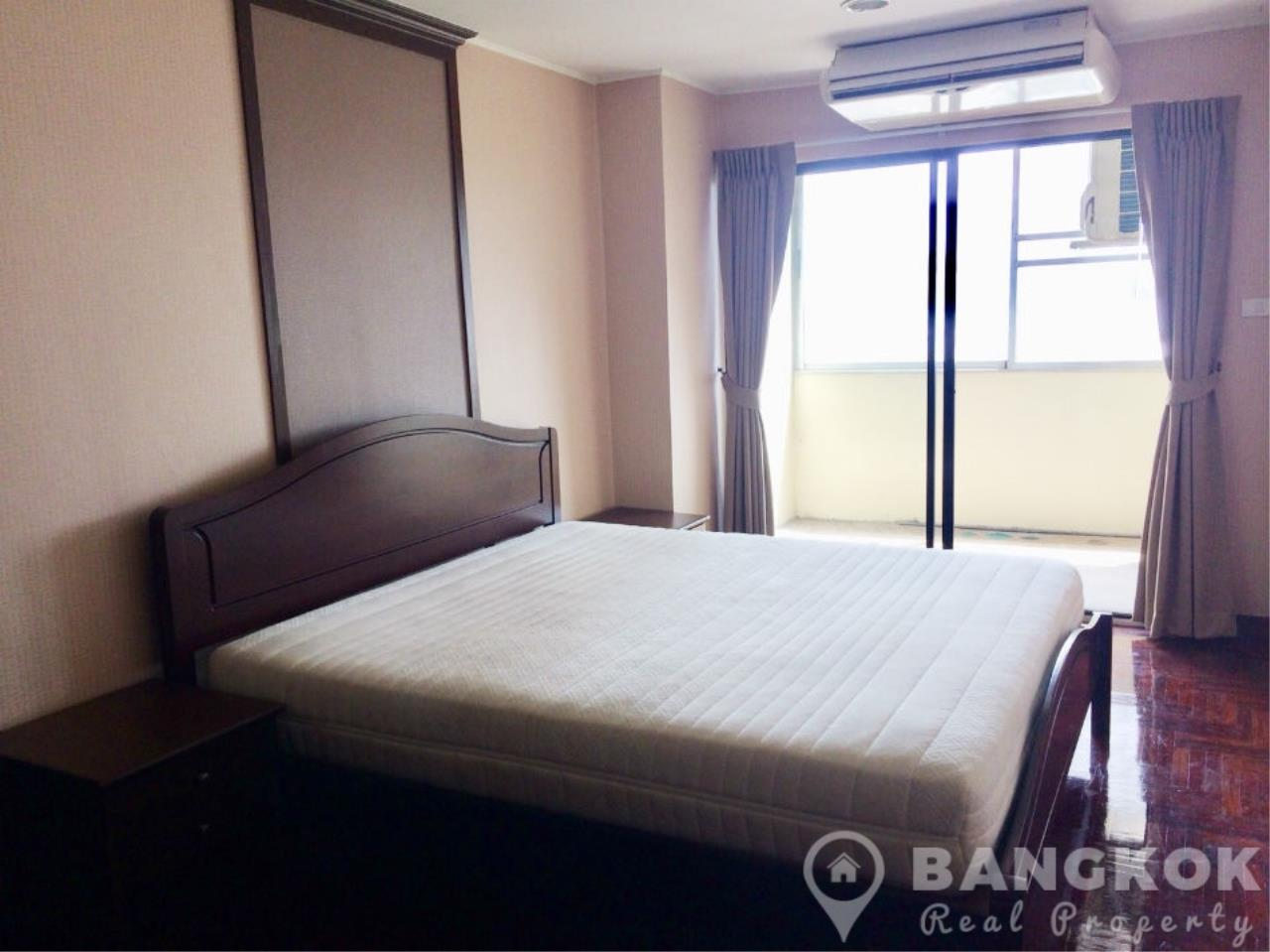 Bangkok Real Property Agency's Casa Viva | Very Spacious 3 Bed 3 Bath Condo in Ekkamai 11