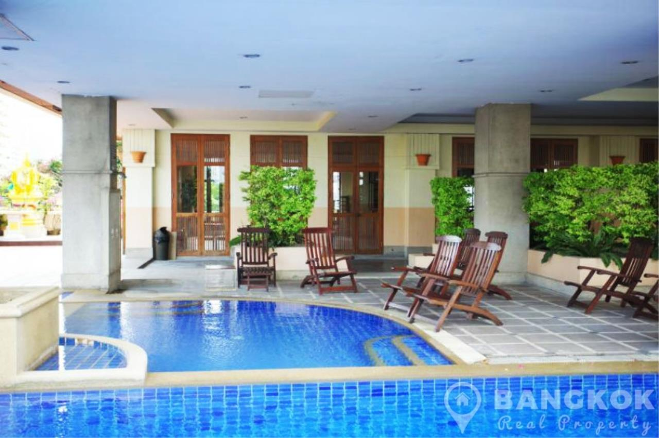 Bangkok Real Property Agency's Casa Viva | Very Spacious 3 Bed 3 Bath Condo in Ekkamai 15