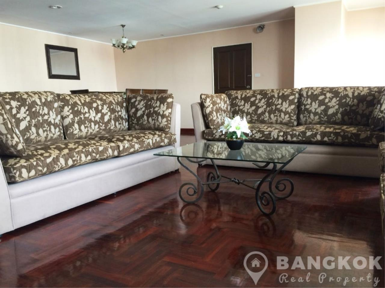 Bangkok Real Property Agency's Casa Viva | Very Spacious 3 Bed 3 Bath Condo in Ekkamai 2