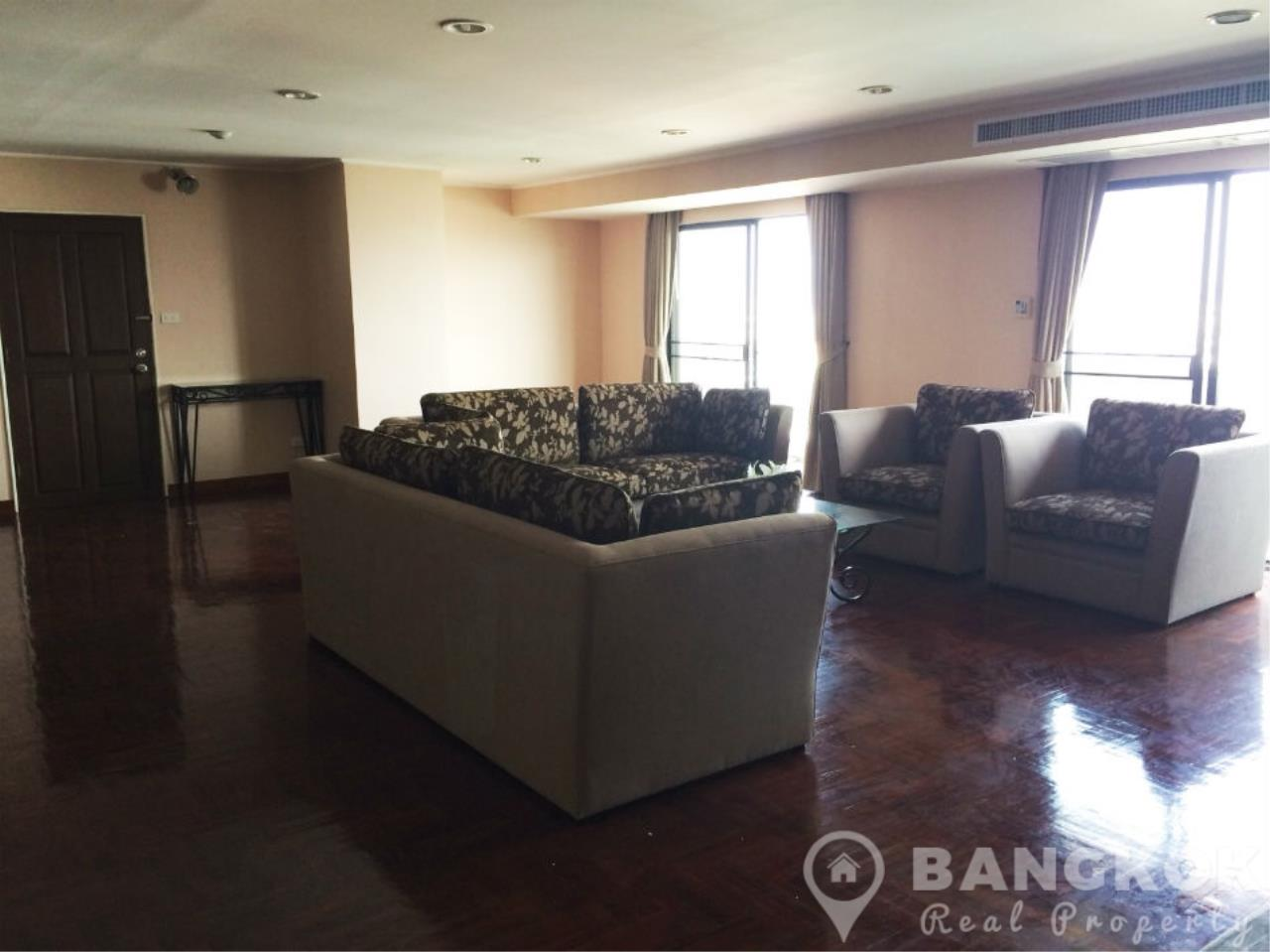 Bangkok Real Property Agency's Casa Viva | Very Spacious 3 Bed 3 Bath Condo in Ekkamai 3