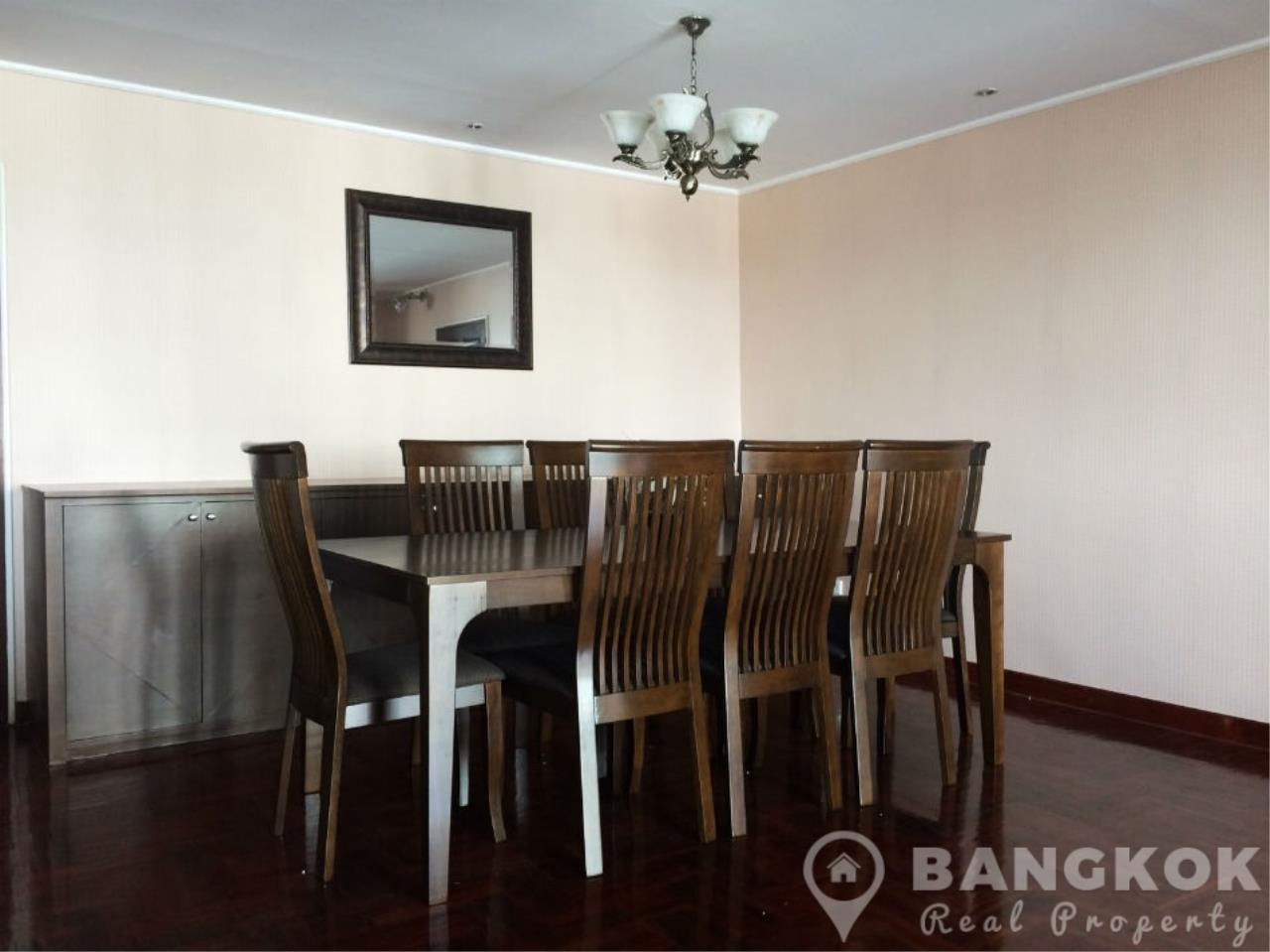 Bangkok Real Property Agency's Casa Viva | Very Spacious 3 Bed 3 Bath Condo in Ekkamai 6