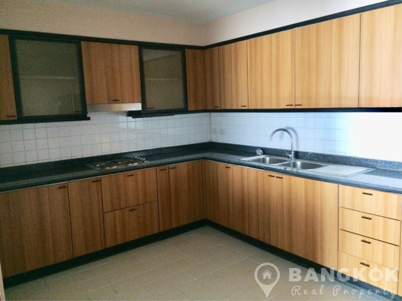 Bangkok Real Property Agency's Casa Viva | Very Spacious 3 Bed 3 Bath Condo in Ekkamai 7