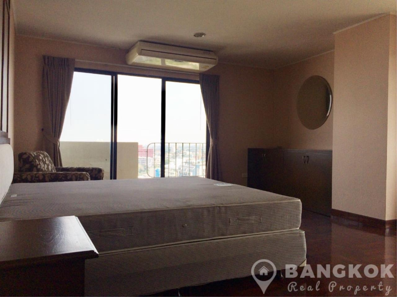 Bangkok Real Property Agency's Casa Viva | Very Spacious 3 Bed 3 Bath Condo in Ekkamai 8