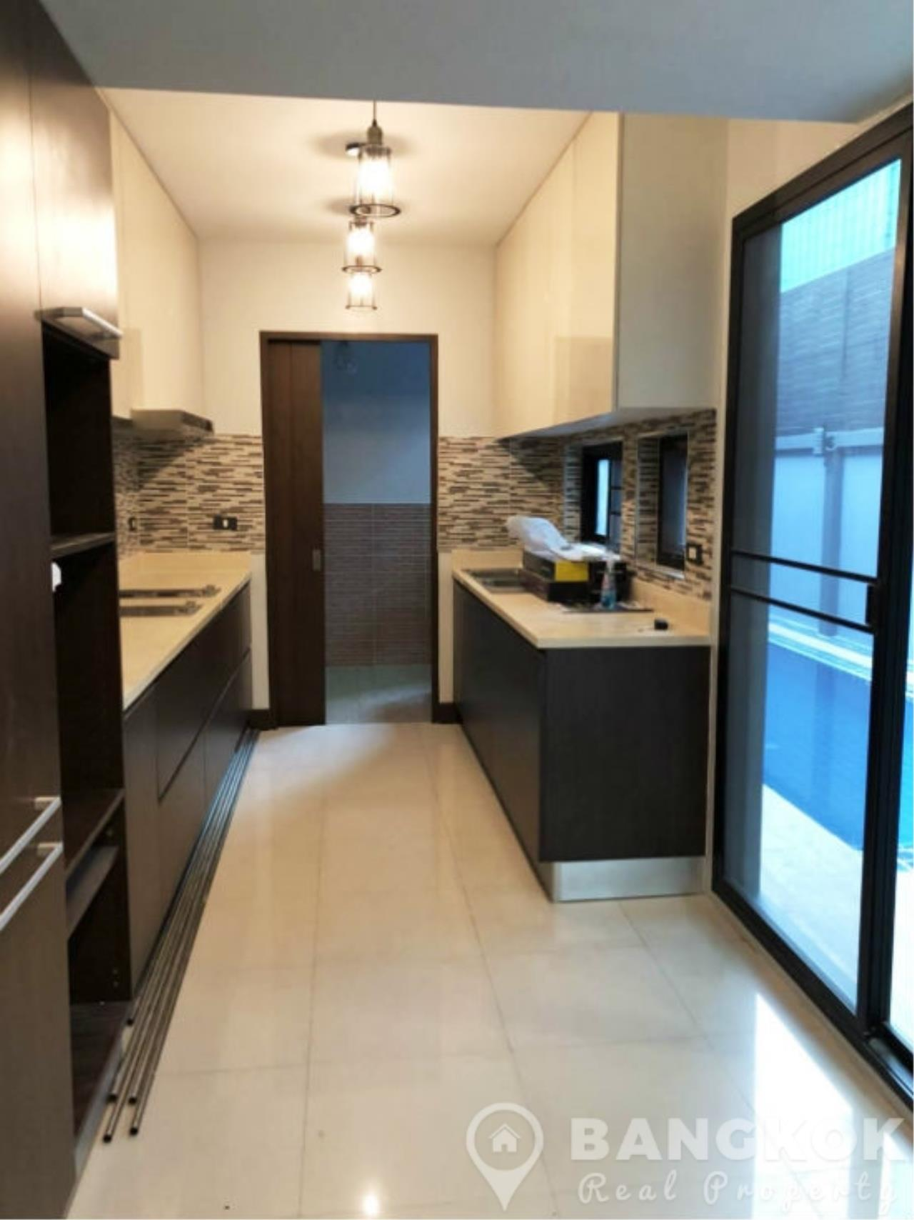 Bangkok Real Property Agency's Modern Detached House in Thonglor 4 Beds with Private Swimming Pool 4
