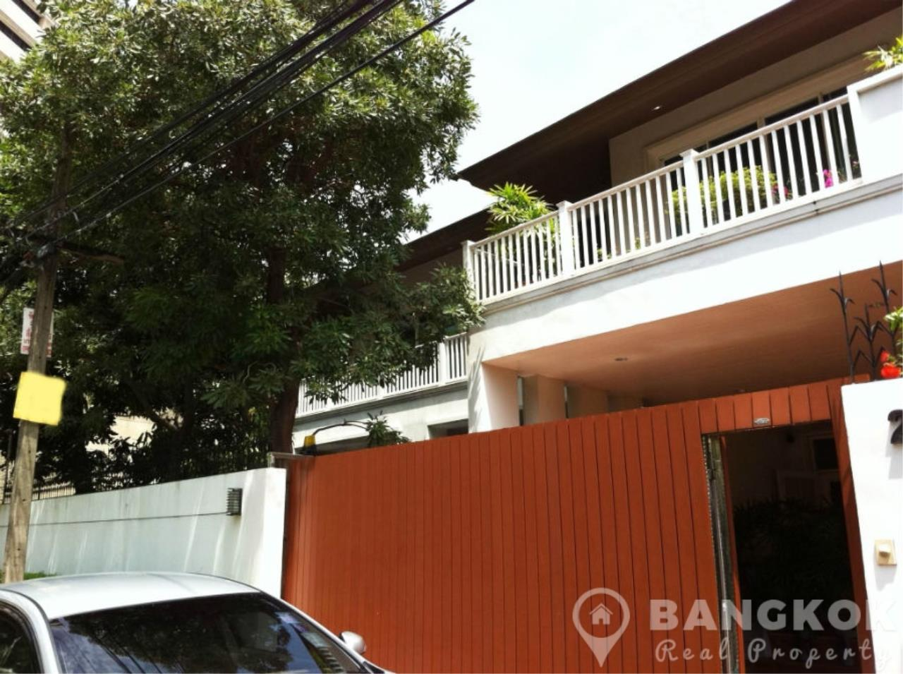 Bangkok Real Property Agency's Spacious Detached 3+1 Bed Family Home near Phrom Phong BTS  1