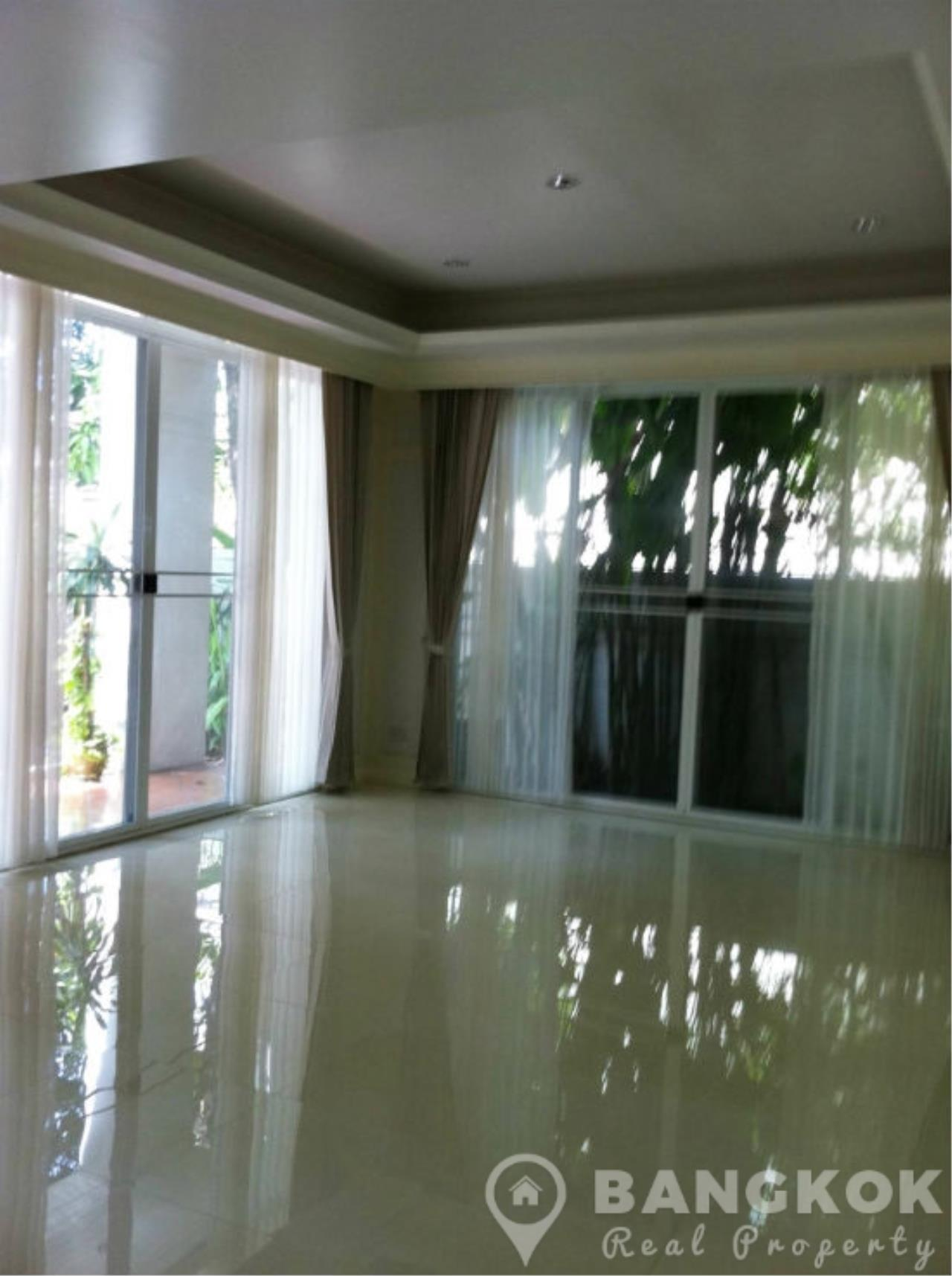 Bangkok Real Property Agency's Spacious Detached 3+1 Bed Family Home near Phrom Phong BTS  2