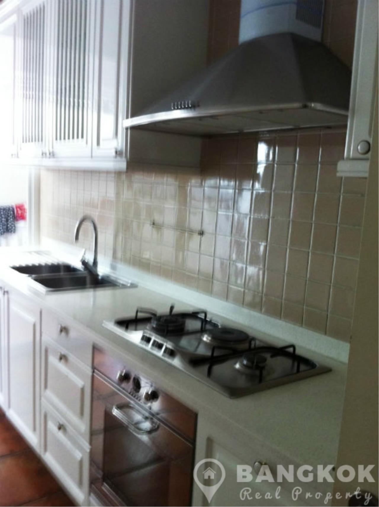 Bangkok Real Property Agency's Spacious Detached 3+1 Bed Family Home near Phrom Phong BTS  3