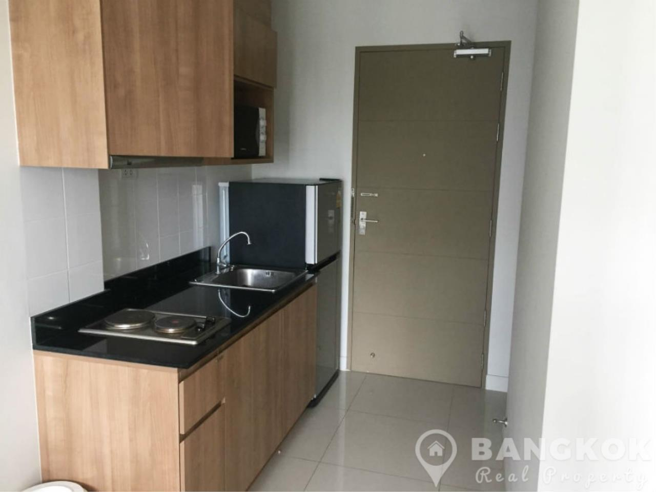 Bangkok Real Property Agency's IDEO Sathorn Taksin | Modern High Floor 1 Bed at BTS 2