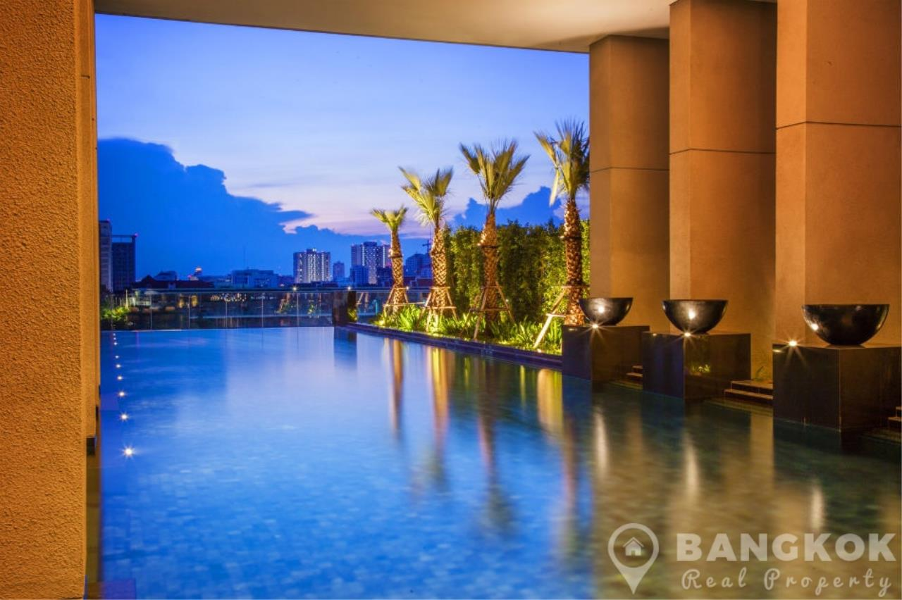 Bangkok Real Property Agency's 185 Rajadamri | Stunning 2 Bed 2 Bath Duplex Penthouse with Huge Private Terrace 12