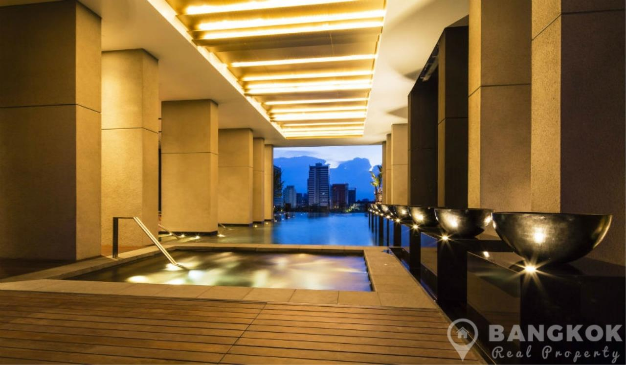 Bangkok Real Property Agency's 185 Rajadamri | Stunning 2 Bed 2 Bath Duplex Penthouse with Huge Private Terrace 15