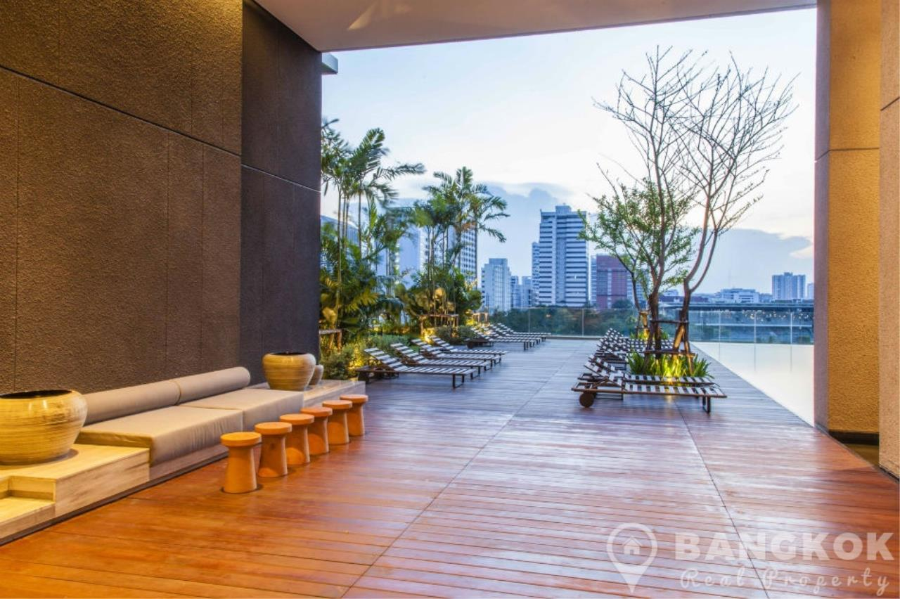 Bangkok Real Property Agency's 185 Rajadamri | Stunning 2 Bed 2 Bath Duplex Penthouse with Huge Private Terrace 16