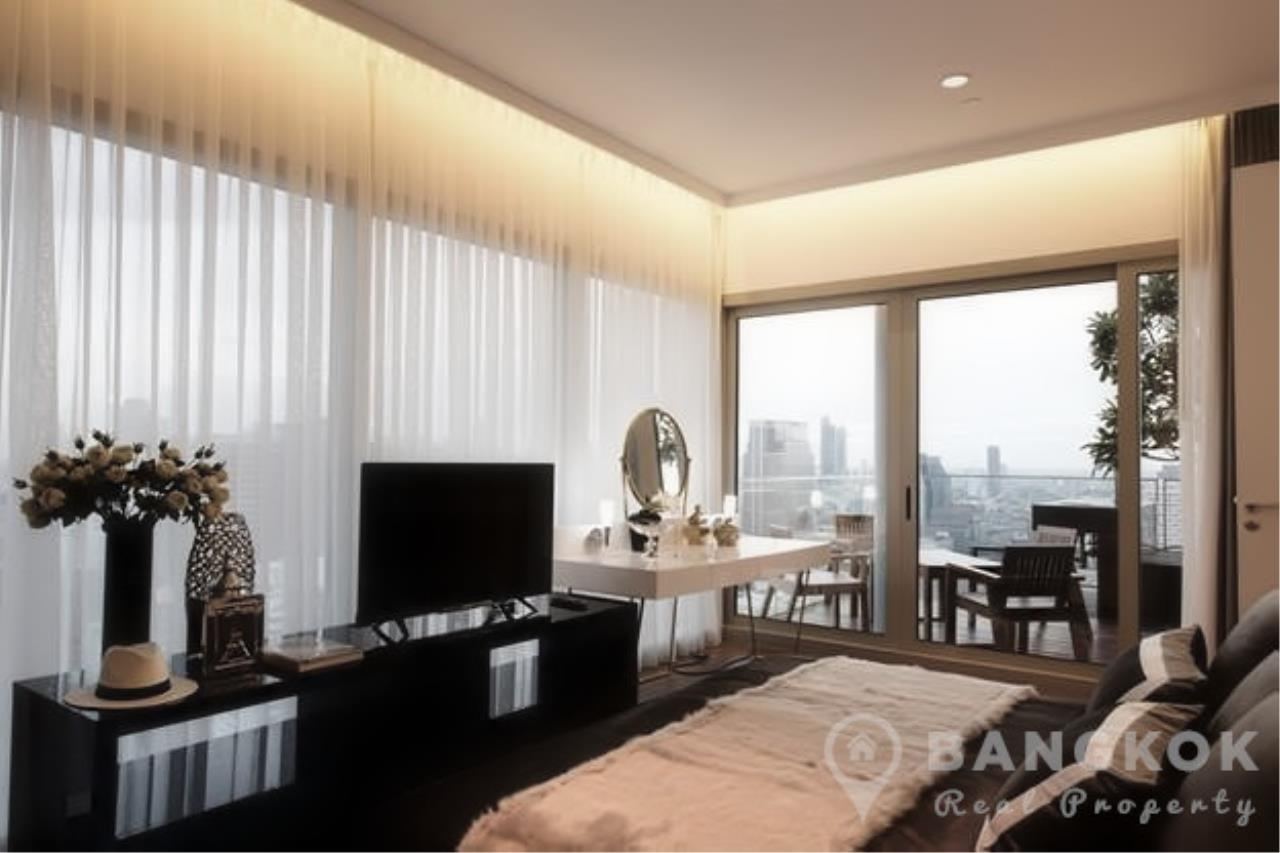 Bangkok Real Property Agency's 185 Rajadamri | Stunning 2 Bed 2 Bath Duplex Penthouse with Huge Private Terrace 10