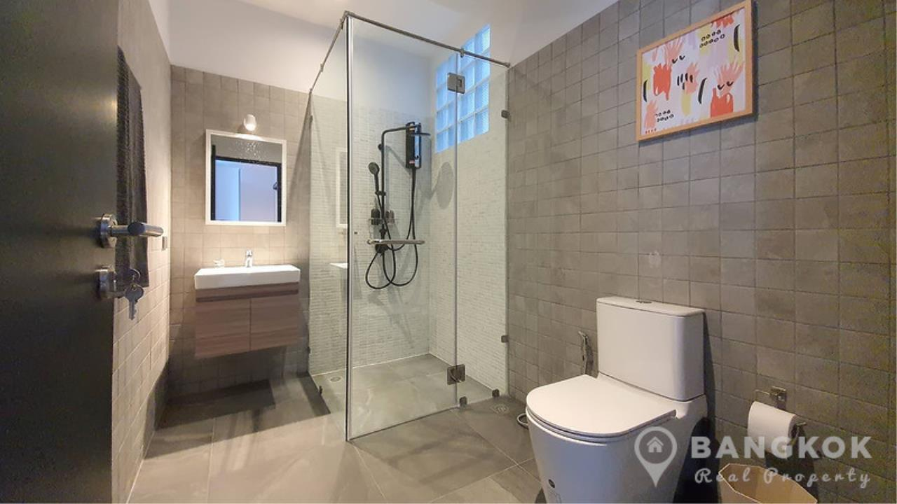 Bangkok Real Property Agency's Stunning Loft Style 3 Bed Townhouse in Phrom Phong  8