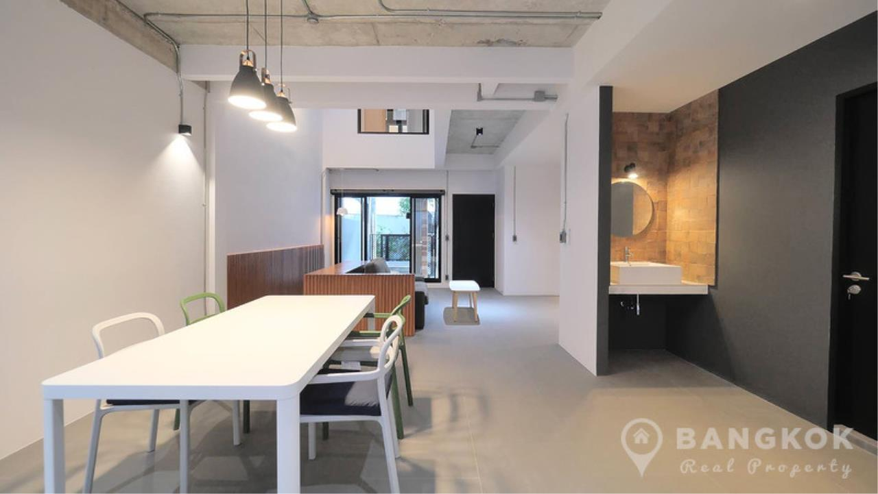 Bangkok Real Property Agency's Stunning Loft Style 3 Bed Townhouse in Phrom Phong  3