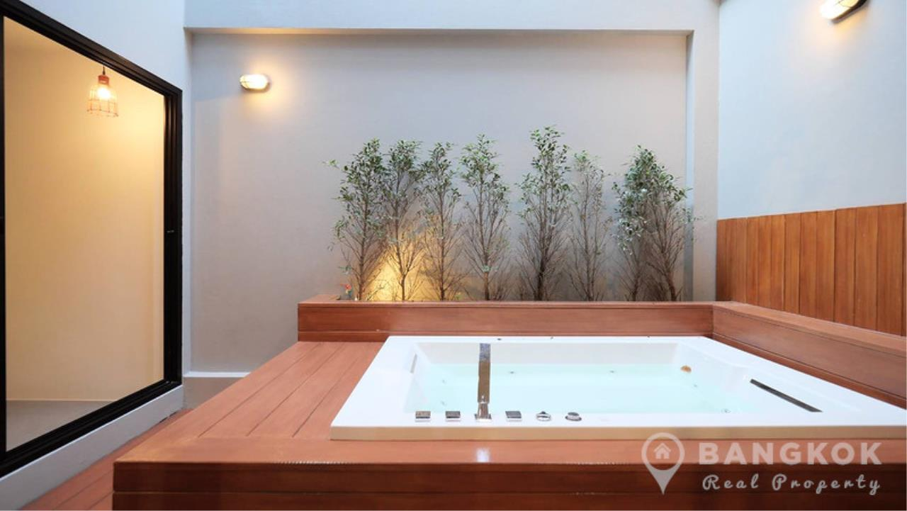 Bangkok Real Property Agency's Stunning Loft Style 3 Bed Townhouse in Phrom Phong  4