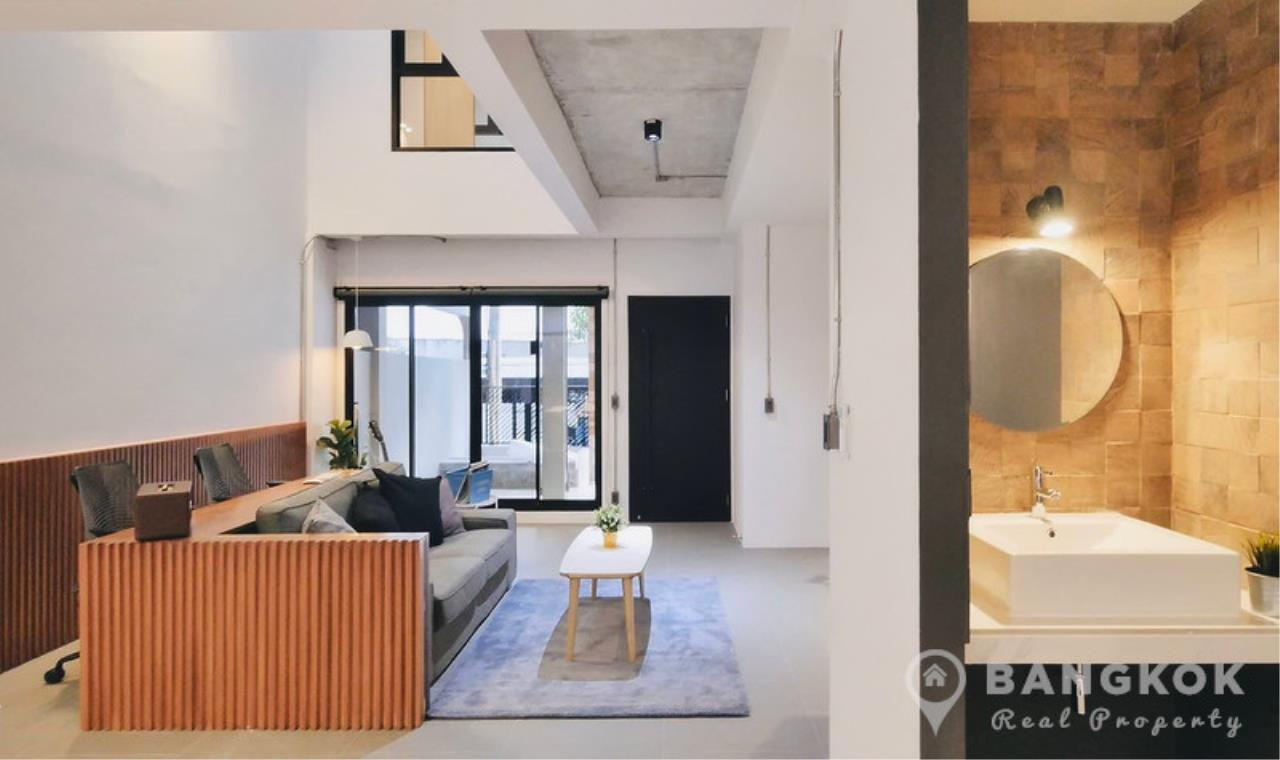 Bangkok Real Property Agency's Stunning Loft Style 3 Bed Townhouse in Phrom Phong  2