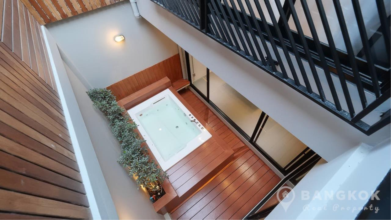 Bangkok Real Property Agency's Stunning Loft Style 3 Bed Townhouse in Phrom Phong  9