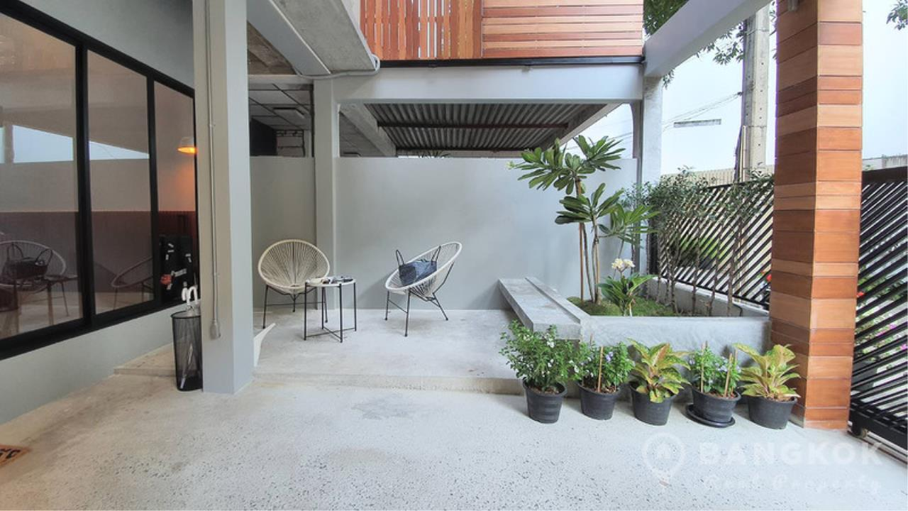 Bangkok Real Property Agency's Stunning Loft Style 3 Bed Townhouse in Phrom Phong  6