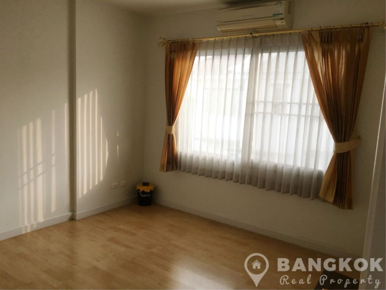 Bangkok Real Property Agency's Modern Udomsuk Townhouse with 3 Bed 3 Bath in Secure Compound 8