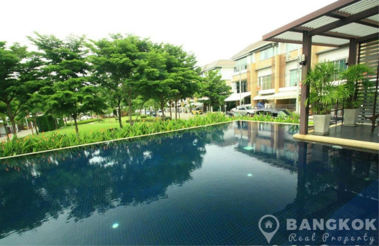 Bangkok Real Property Agency's Modern Udomsuk Townhouse with 3 Bed 3 Bath in Secure Compound 13