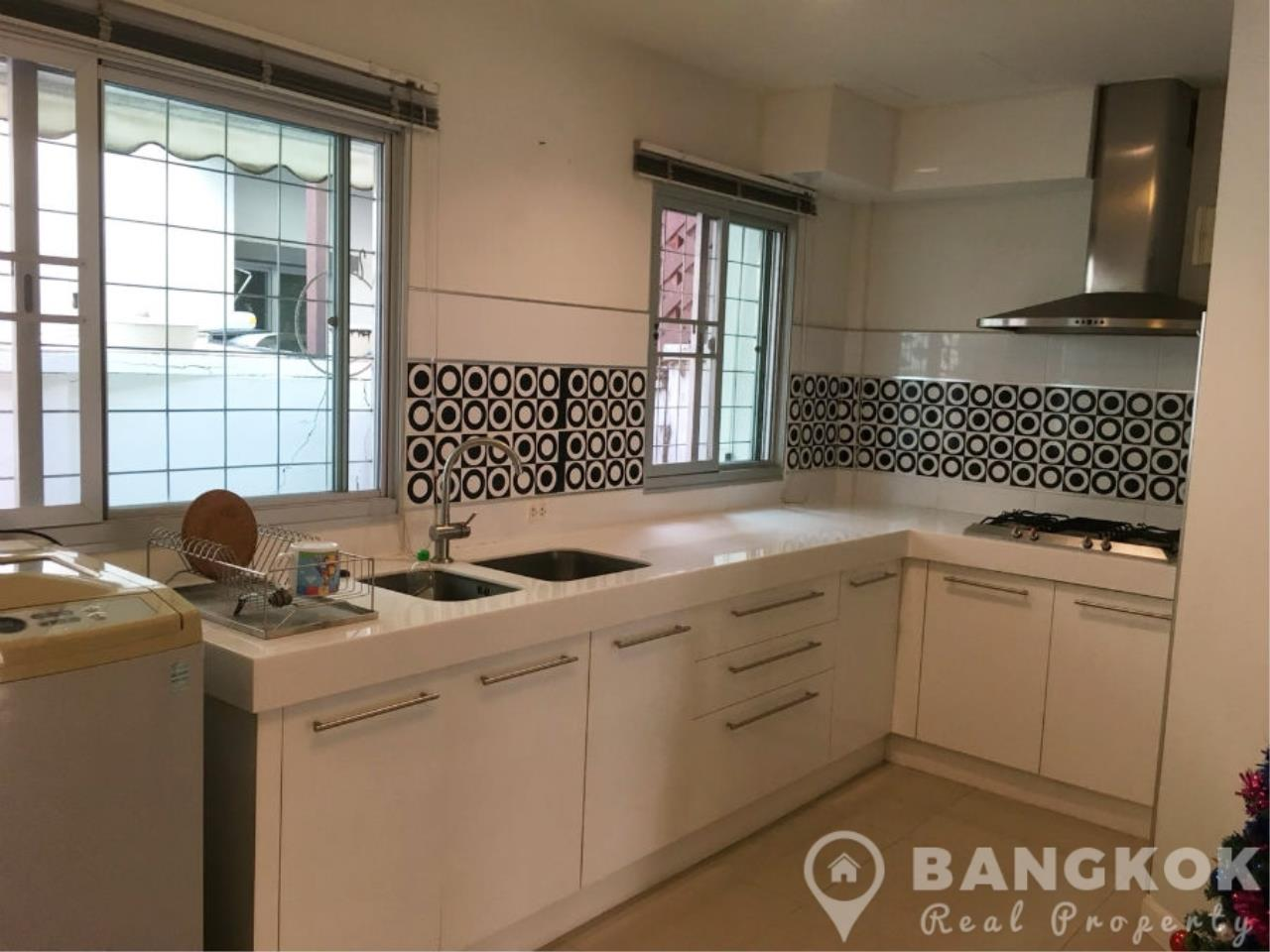 Bangkok Real Property Agency's Modern Udomsuk Townhouse with 3 Bed 3 Bath in Secure Compound 2