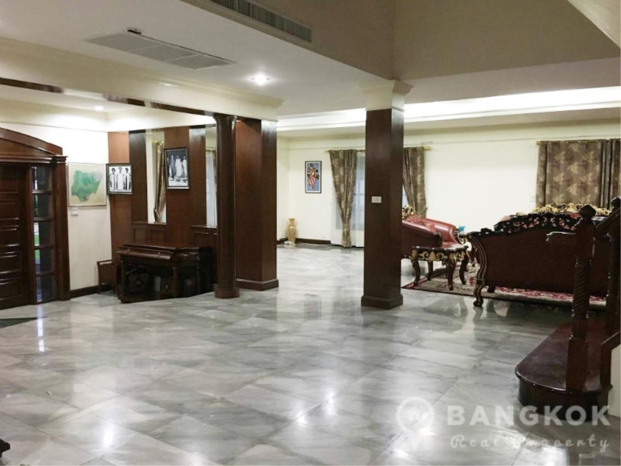Bangkok Real Property Agency's Large Detached 6 Bed 5 Bath Phatthanakan House for Sale 3