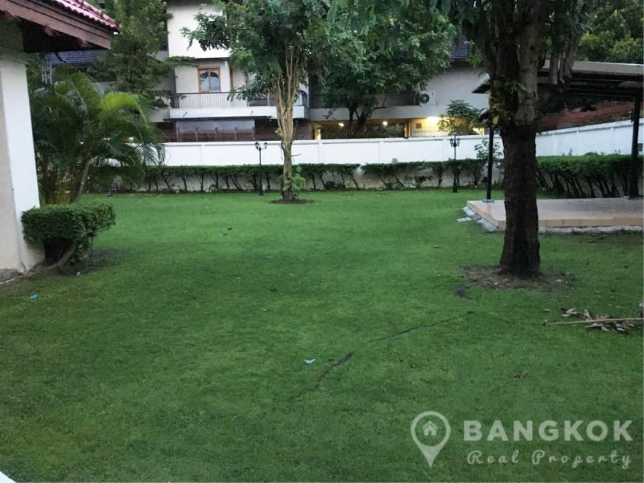 Bangkok Real Property Agency's Large Detached 6 Bed 5 Bath Phatthanakan House for Sale 13