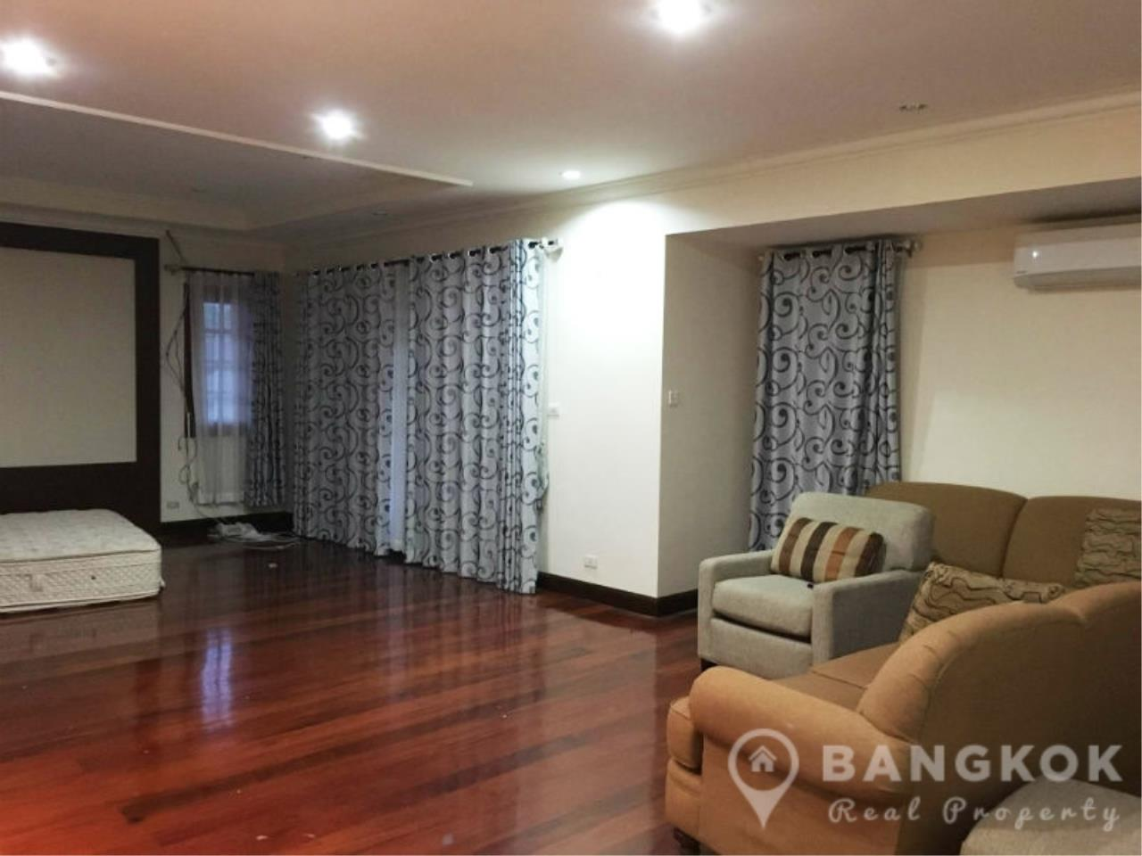 Bangkok Real Property Agency's Large Detached 6 Bed 5 Bath Phatthanakan House for Sale 8