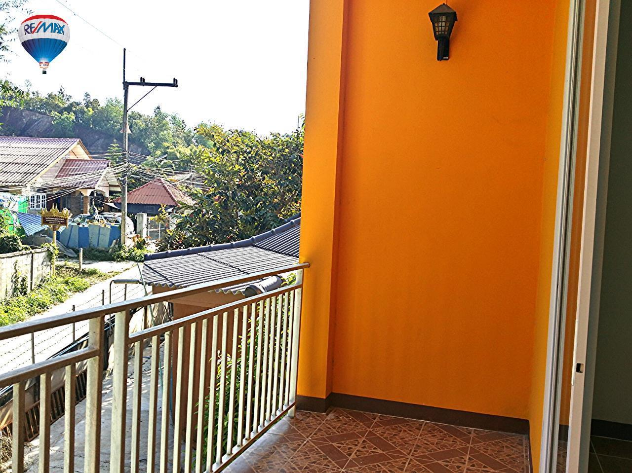 RE/MAX Classic Agency's Selling new townhome !!!  at 1.35 million bath downtown Chiang Rai. 11