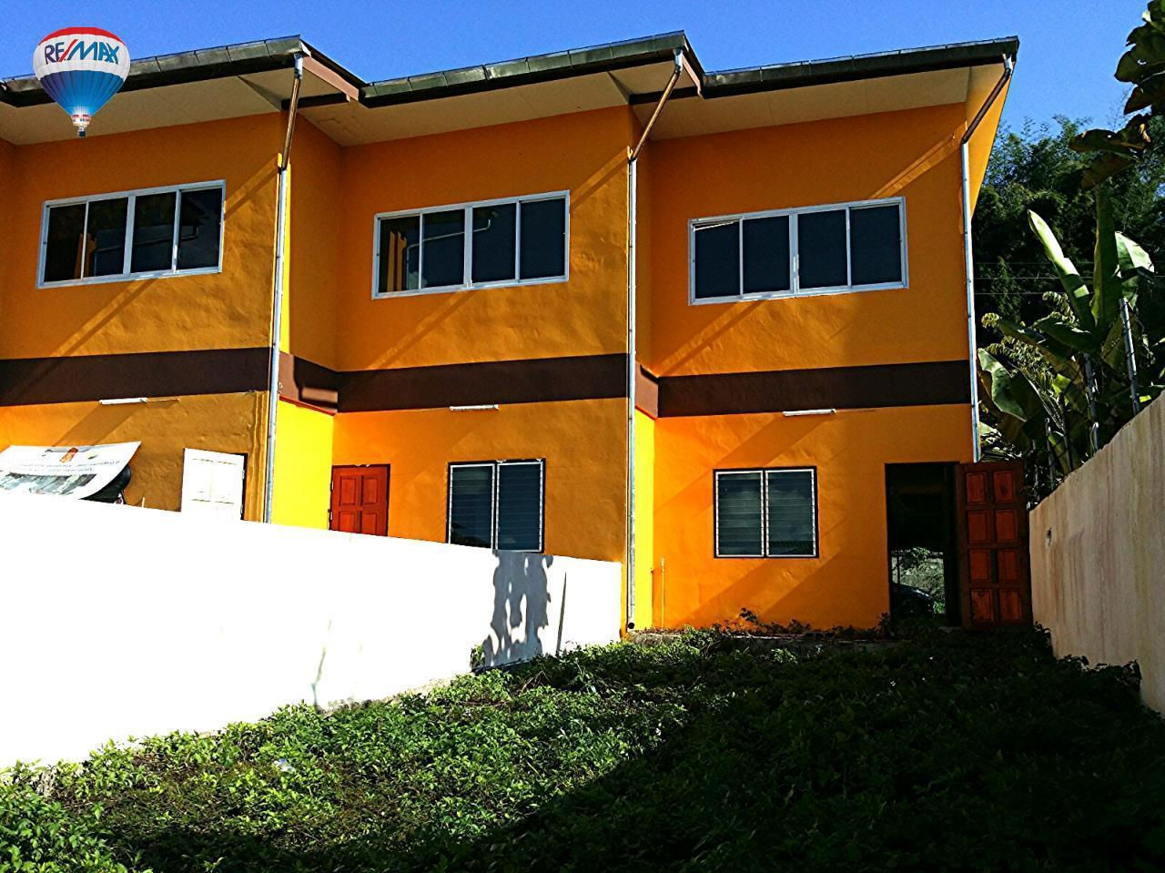RE/MAX Classic Agency's Selling new townhome !!!  at 1.35 million bath downtown Chiang Rai. 16