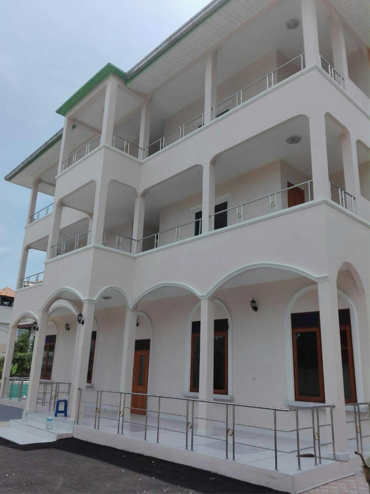 Agent - Thammajak Agency's Sale building 3 floors Pattaya Nakluea 16 Alley, near Wongamat beach Pattaya 4