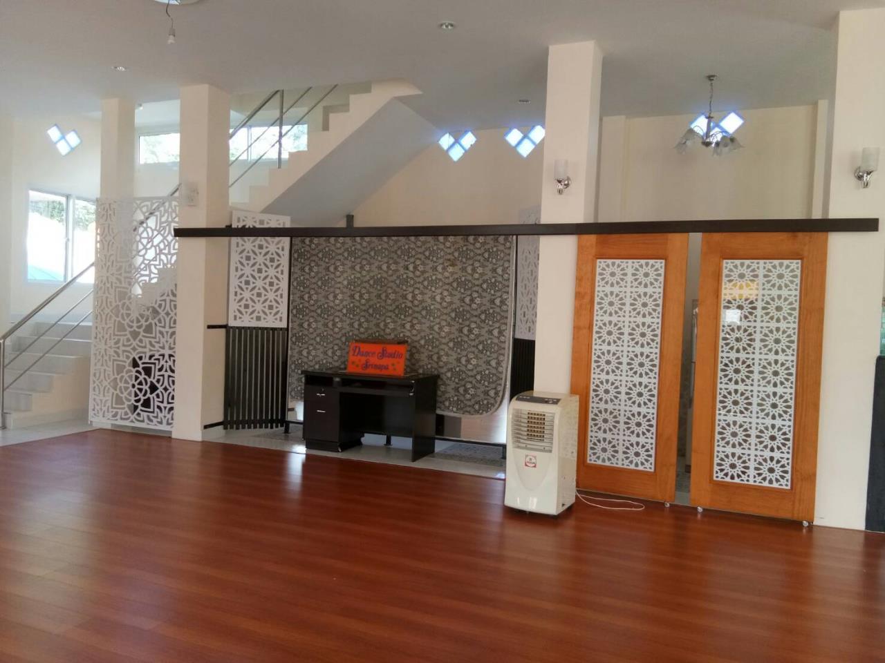 Agent - Thammajak Agency's Sale building 3 floors Pattaya Nakluea 16 Alley, near Wongamat beach Pattaya 8