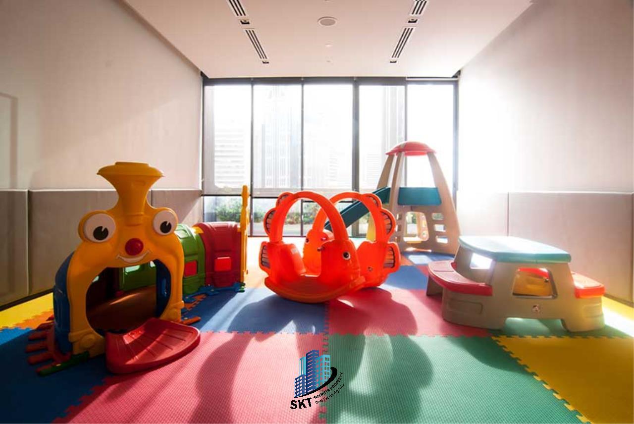 Sukritta Property Agency's Hyde Sukhumvit 13 condominium Near BTS NANA 18