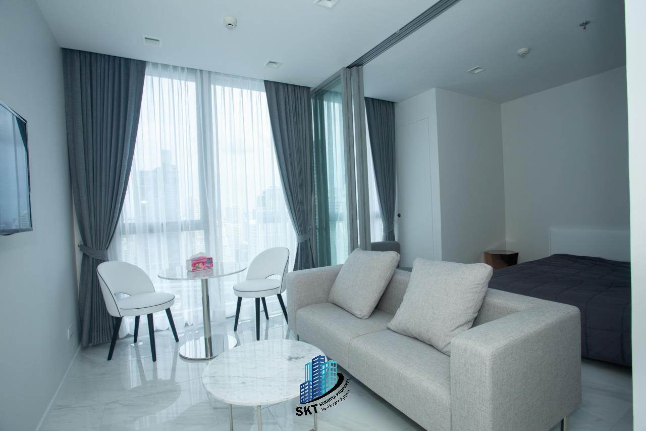 Sukritta Property Agency's Hyde Sukhumvit 11 Near BTS Nana 1