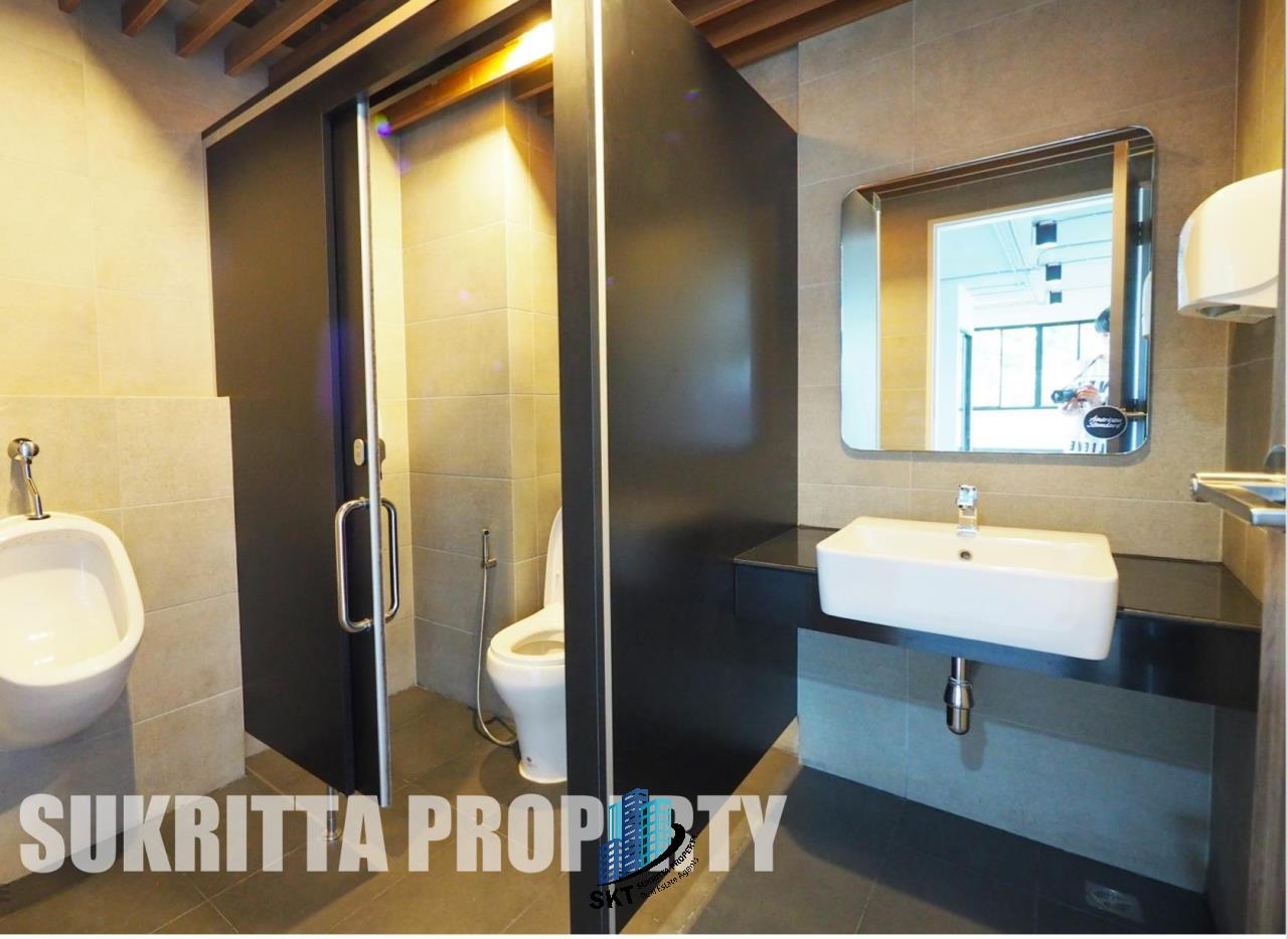Sukritta Property Agency's Office for rent Near BTS Thonglor 6