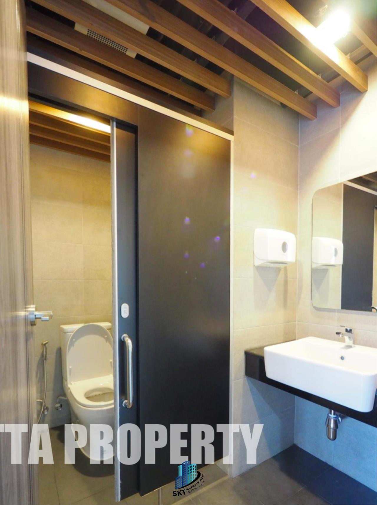 Sukritta Property Agency's Office for rent Near BTS Thonglor 3