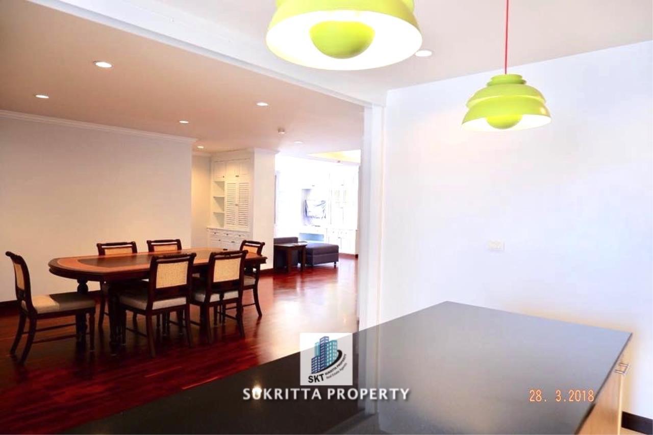Sukritta Property Agency's Newton Tower Near BTS Nana 7